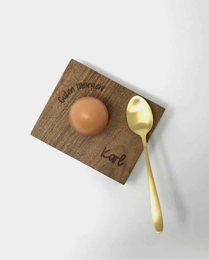 Eierbecher aus Nussbaum